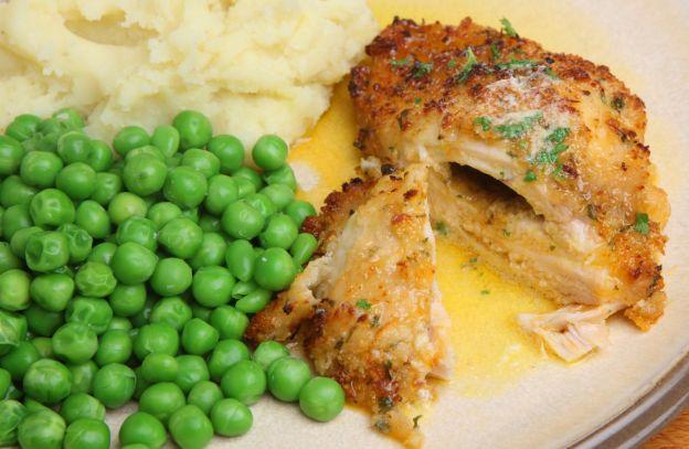 La meilleure recette de poulet juteux au beurre à l'ail! Un délice gourmand.