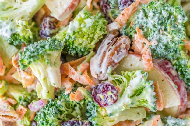 La meilleure recette de salade de brocoli crémeuse au citron!