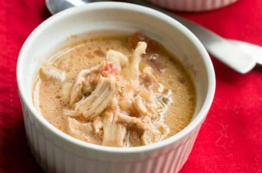 La délicieuse soupe au poulet mexicaine à la mijoteuse (4 ingrédients!)