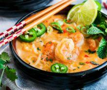 Soupe thaïlandaise aux crevettes et lait de coco