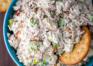 La meilleure recette de salade de thon (Super facile à faire!)