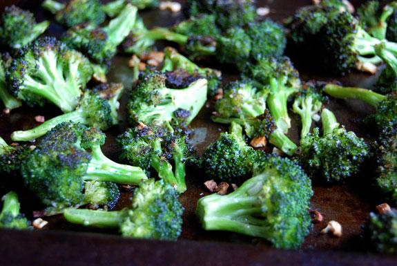 La délicieuse recette de brocoli rôti à l'ail (Très facile à faire!)