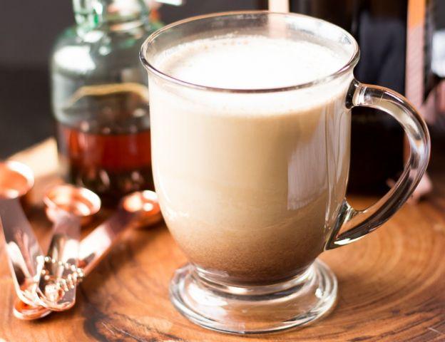 La meilleure recette de café latte à l'érable (Très facile à faire!)