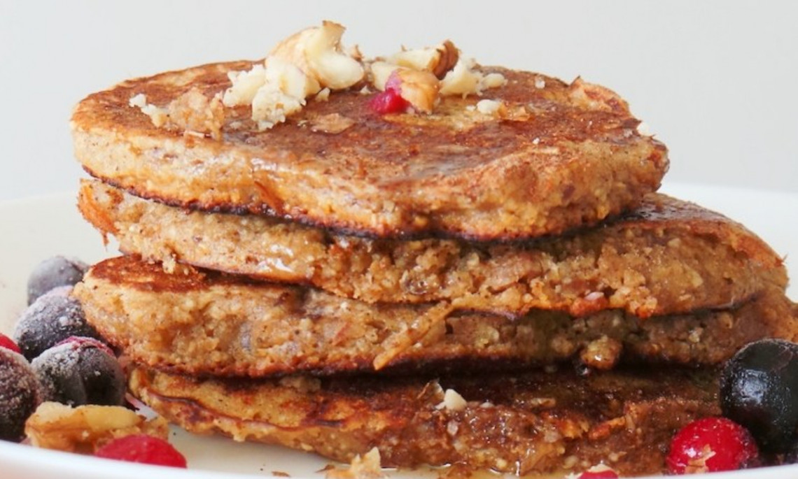 Les crêpes aux pommes et à l'avoine pour un déjeuner santé!
