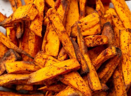 Les meilleures frites croustillantes de patates douces croustillantes à la friteuse à air!