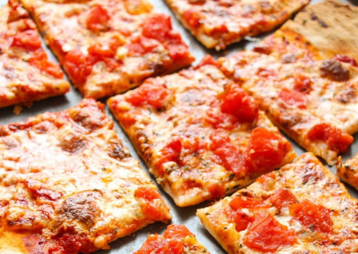 La recette secrète de la pâte à pizza croûte mince (style Domino's)!