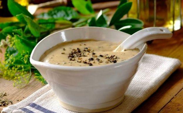 Une recette de sauce crémeuse aux poivres très facile à faire!