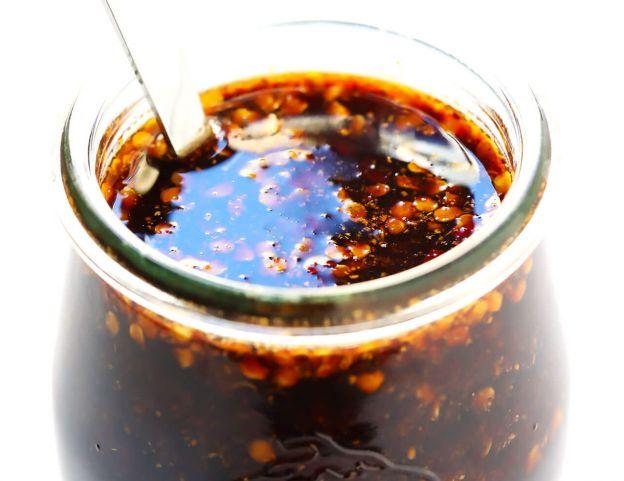 Une très bonne sauce sauce sichuanaise qui est facile à faire!