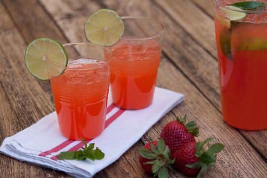La recette facile de limonade alcoolisé aux fraises et à la Tequila!