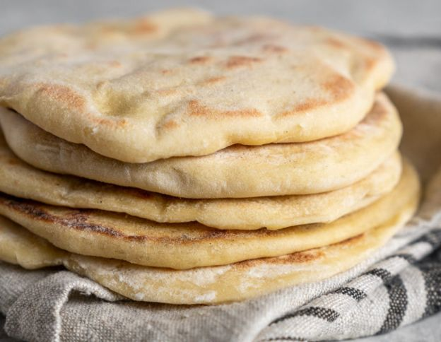 La recette facile de Pain pita maison (5 ingrédients)!