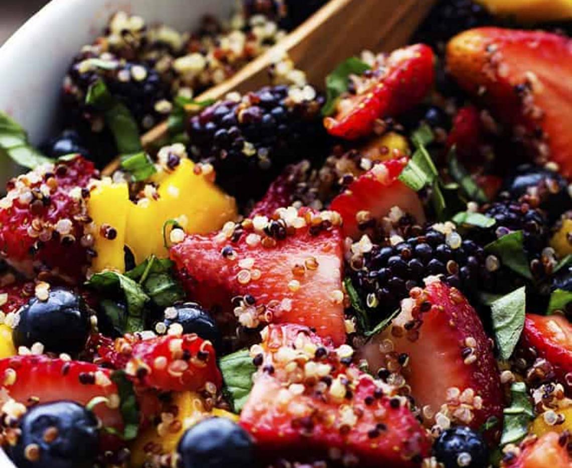 La meilleure recette de salade de fruits et de quinoa au miel!