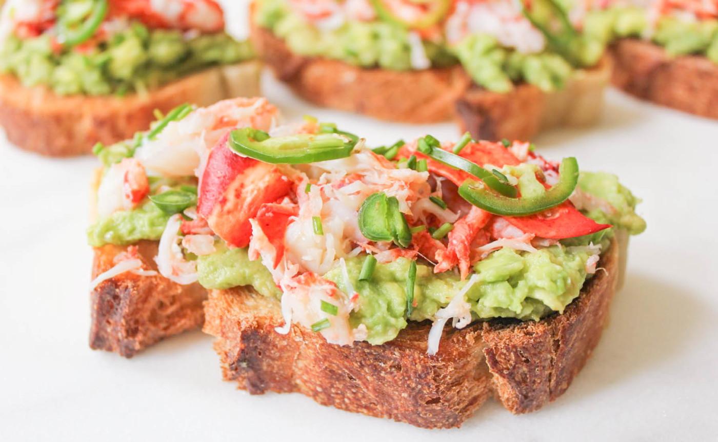 La toast de homard à l'avocat, c'est vraiment bon et facile à faire!