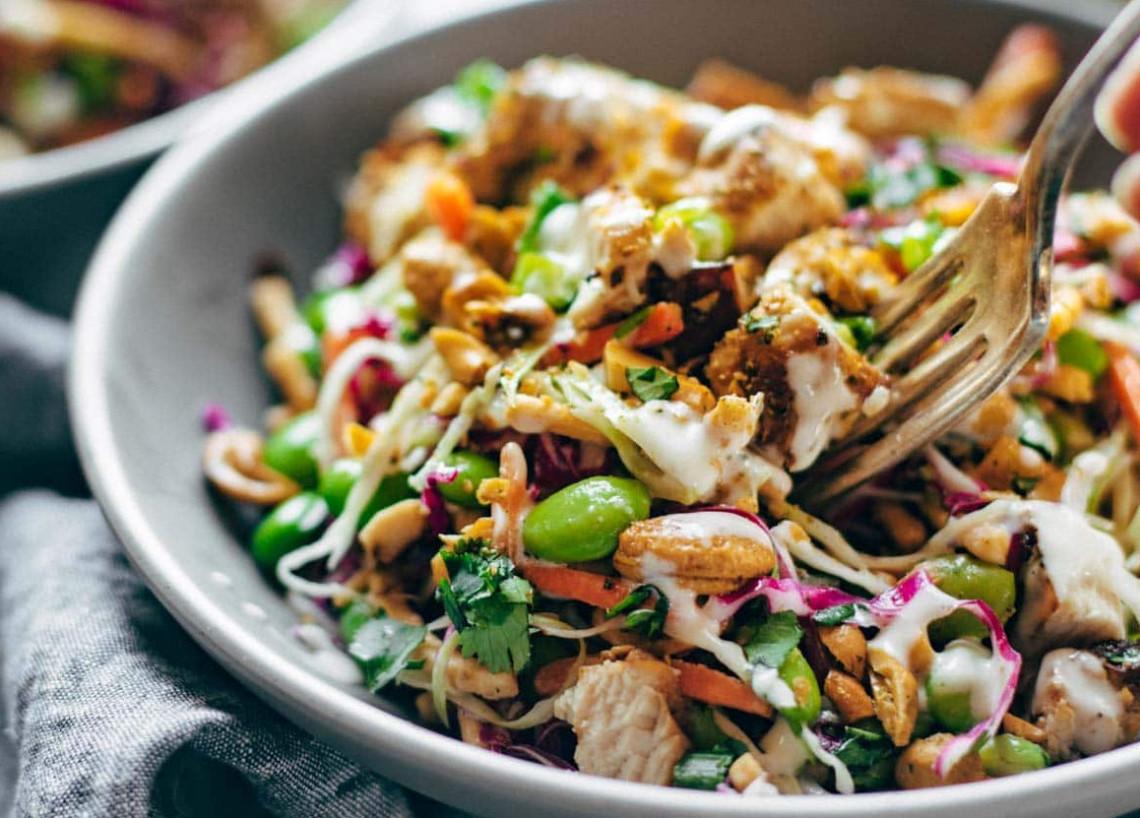 La meilleure salade croustillante aux noix de cajou et fèves edamames!