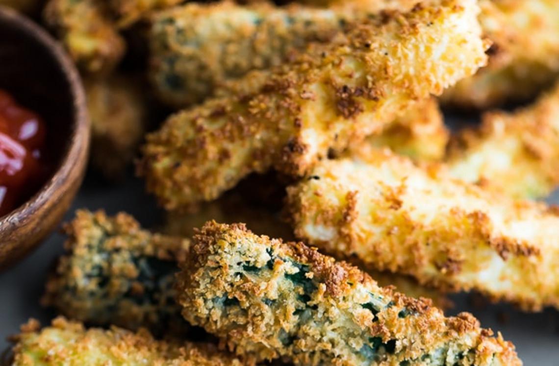 La meilleure recette de frites de courgettes dans la friteuse à air chaud!