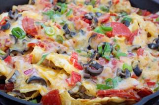La délicieuse recette de nachos de camping sur le feu!