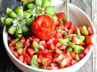 Une salsa aux fruits de fraises et kiwi absolument parfaite!