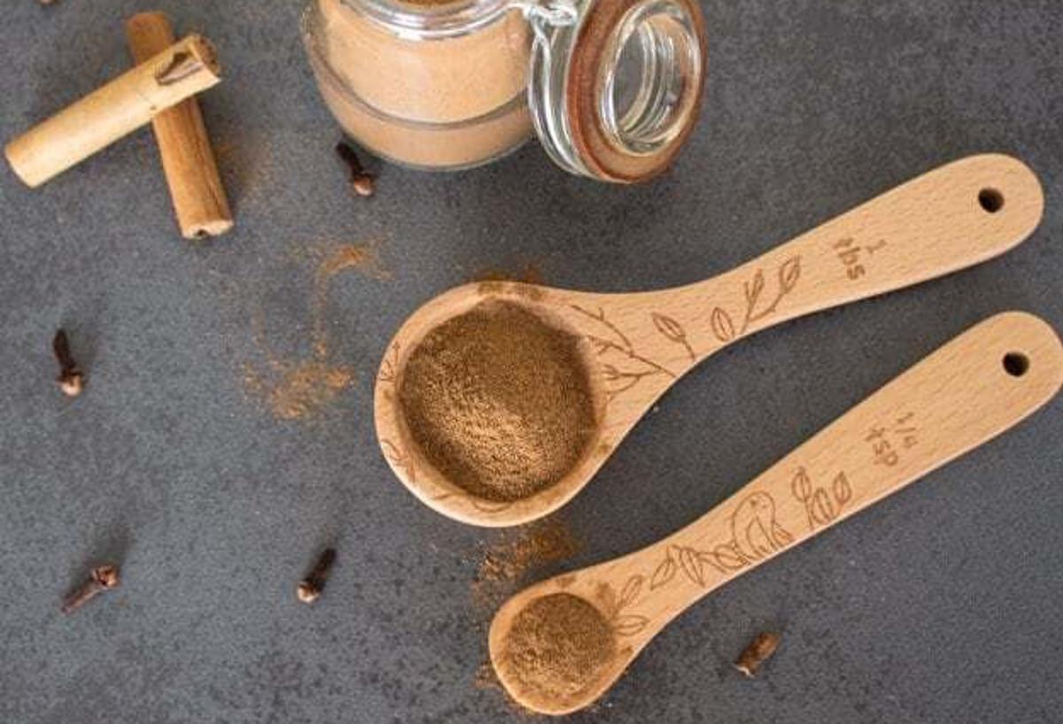La recette d'épice AllSpice maison (piment de la Jamaïque) très facile à faire!