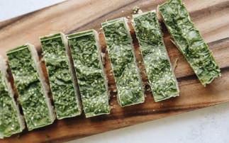 Une délicieuse recette de barres protéinées au matcha (Très facile!)