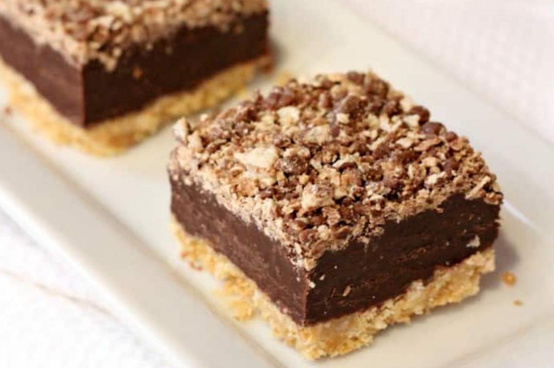 Idée Dessert Simple La meilleure recette de carrés de Kit Kat sans cuisson (Facile à