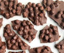 Croquant de chocolat noir et pois chiches (3 ingrédients)