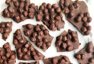 La meilleure recette de croquant de chocolat noir et pois chiches (3 ingrédients)!