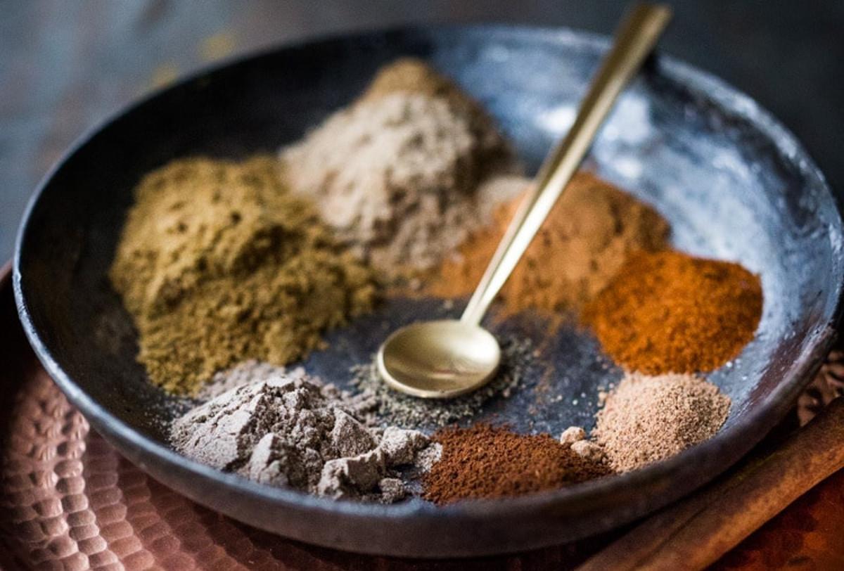 La recette pratique d'épices Garam Masala (Facile et économique!)