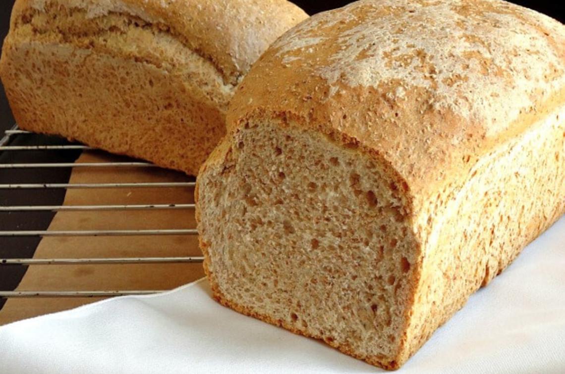 La recette facile de pain brun de blé entier à faire à la maison!