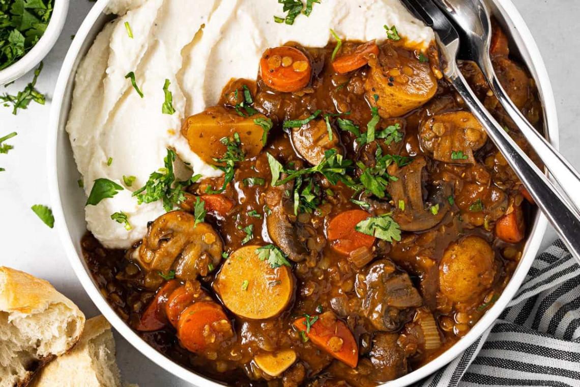La recette facile de ragoût de lentilles végétarien absolument délicieux!