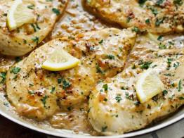 Recette facile de casserole de poulet crémeux à l'ail et au citron